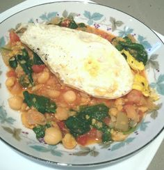 Fried Eggs Over Chickpeas with Spinach - Bohemian in the Burbs #glutenfree #primal