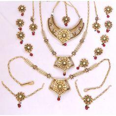 Stylish Bridal Dhulan Necklace set