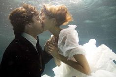...I love this idea that Trish from Clean House did...Trash the dress under water