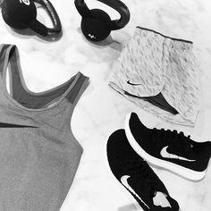 Shades of grey ✖️ Nike Women's  ______________________________________________ #gsportbyporten #conceptstore #gfaktor #Nike #blackandwhite #shadesofgrey