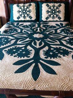 Hawaiian Quilt Patterns, Hawaiian Quilts, Hawaiian Crafts, Hawaiian Print, Two Color Quilts, Queen Size Quilt, Vintage Hawaiian, Applique Quilts, Quilting Designs