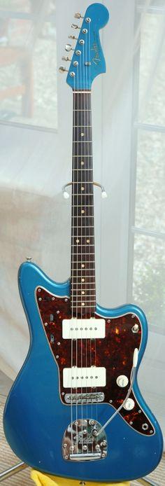 Vintage Fender Jazzmaster in Lake Placid Blue