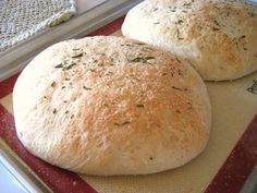Rosemary Peasant Bread - I can't wait to try this soon, it is said to taste like the Macaroni Grill bread...YUM!