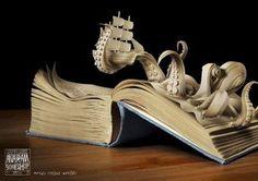 En esta ocasión os traemos una selección de pequeñas obras de arte construidas en el interior de los libros, usando las propias hojas com...