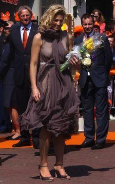 30 april 2011 - Thorn en Weert - Máxima op Koningsdag  - Nieuws - Fashion
