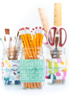 Easy Back To School Mason Jar Pencil Holder - Teacher Gift Ideas with Mason Jars - Back To School Craft Ideas