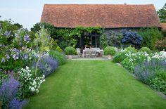 The garden of landscape designer TomStuart-Smith - desire to inspire - desiretoinspire.net
