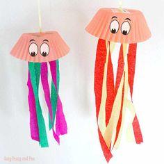 cupcake liner jellyfish craft - ocean kid craft - crafts for kids- kid crafts - acraftylife.com #preschool
