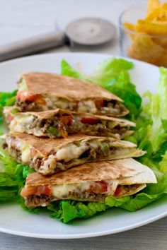 Quesadillas con carne, curry y emmental Healthy Chicken Dinner, Healthy Dinner Recipes, Healthy Snacks, Curry, Meat Recipes, Mexican Food Recipes, Fingers Food, Tacos Mexicanos, Food Porn