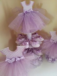 Three Tier Lavender Ballerina Shoe Favor Stand With Two Matching TuTu Dress Centerpieces / Baby Shower Centerpiece, Distintivos Baby Shower, Mesas Para Baby Shower, Girl Shower, Baby Shower Gifts, Tutu Centerpieces, Baby Shower Centerpieces, Ballerina Centerpiece, Vestidos Para Baby Shower, Baby Shower Dresses
