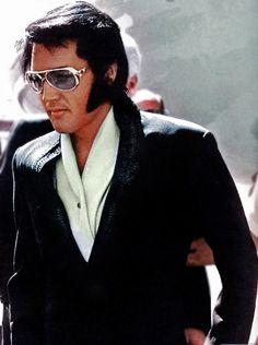 Elvis - Arriving in Phoenix, AZ for his performance that night, Wednesday, September 9, 1970.