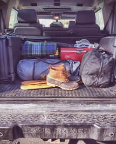 Packed up and headed back to Boston. #landrover #landroverusa #discovery2 #discovery #newengland #aquidneckisland #offroad #4x4 #vintage #ontheroad #seeyououtthere #roadtrip #landroverexperience #landroverdefender #defender #madeinengland #llbean #coleman #colemancooler #kelty #tentlife #trunk by discoverynomad Packed up and headed back to Boston. #landrover #landroverusa #discovery2 #discovery #newengland #aquidneckisland #offroad #4x4 #vintage #ontheroad #seeyououtthere #roadtrip…