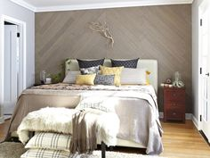 Apply Stikwood Wall Paneling Add warmth, texture and designer style with a gorgeous wood accent wall in an understated chevron pattern. Diy Wanddekorationen, Diy Crafts, Reclaimed Wood Paneling, Whitewash Wood, Weathered Wood, Wood Planks, Barn Wood, Stick On Wood Wall, Home Interior