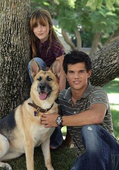 Bella Thorne and Taylor Lautner My Own Worst Enemy