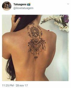 Attractive Back of Neck Tattoo Designs - tatoo ideas - Tatouage Pretty Tattoos, Sexy Tattoos, Beautiful Tattoos, Body Art Tattoos, Tatoos, Feminine Tattoos, 3d Tattoos, Boho Tattoos, Female Back Tattoos