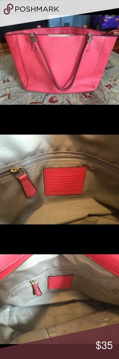 COACH TOTE Very loved ❤️ coral coach tote. The structure of the bag is in good condition but could use some cleaning. Coach Bags Totes