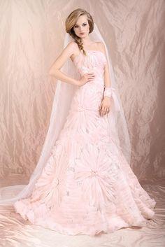 粉红的幸福氛围 粉色婚纱特辑 | 妞新闻
