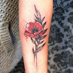 Poppy :) #poppy #poppyflower #poppytattoo #poppyflowertattoo #wildflower #wildflowers #wildfliwerstattoo #flora #floral #delikate #sketchy #sketch #sketchytattoo #art #tattoo #tattoos #art #ink #inked #inkedgirls #tattoosforgirls #girlytattoo #summer #love #kasiakot #kattkot #flower