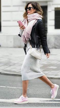 Maia Hape-Mitchell // cashmere dress and scarf under leather. Pink and grey always looks girlie. - Total Street Style Looks And Fashion Outfit Ideas Mode Outfits, Winter Outfits, Fashion Outfits, Womens Fashion, Fashion Trends, Dress Winter, Sneakers Fashion, Pink Sneakers, Fashion Styles