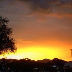 Atardecer en la bahía... de parqueaderos de @jardinplaza en #Cali. #CaliEsColor #DespuesDeLaTormenta #atardecer #sunset #sol #sun #clouds #nubes #PorCaliLoHagoBien #DeCaliSeHablaBien