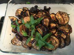 Melanzane grigliate piccanti BBQ #melanzane #grigliate #piccanti #peperoncino Bbq, Meat, Chicken, Food, Barbecue, Barrel Smoker, Essen, Meals, Yemek