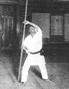Gichin Funakoshi Catch Wrestling, Self Defense Moves, Shotokan Karate, Martial Arts Workout, Martial Artists, Kendo, Dojo, Tai Chi, Black Belt