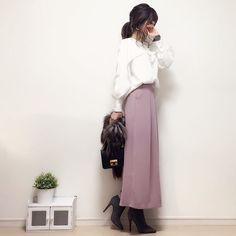 ・ こんばんは♡ ・ ・ 冷え込みますね〜((( ゚д゚ ;))) ・ ・ でもでも、アウターの中は 春っぽコーデが気分です💕 ・ ・ 今日はポンチョデザインが可愛いブラウスに くすみピンクのワイドパンツを😍 ・ ・ アウター着たコーデはブログに載っけますね〜♪ ・ ・ コメントお返事できておらずすみません🙏💦 後ほどお返事させてください💕 いつもありがとうございます!☺︎♡ ・ ・ blouse#cookiechocolate#クッチョコ @cookiechocolate_official pants#fifth#fifthtl boots#diana ・ ・ #handmadeaccessory#fashion#outfit#code#kurashiru#ponte_fashion#ハンドメイドアクセサリー#プチプラ#プチプラコーデ#プチプラファッション#シンプル#シンプルコーデ#コーデ#コーディネート#kaumo#gumania#locari#beaustagrammer#mineby3mootd#ootd_kob#大人カジュアル#スナップミー#今日のコーデ Hijab Dress, Office Attire, High Waisted Skirt, Korea, Women's Fashion, Places, Casual, Skirts, Outfits