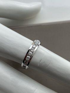 Jonc semi-éternité en or blanc Eternity Bands, Wedding Rings, Engagement Rings, Jewelry, Bangle Bracelet, White Gold, Wedding Ring, Diamond, Enagement Rings
