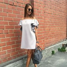 casual work outfits for women with skirt 33 Casual Work Outfits, Casual Dresses, Short Dresses, Fashion Dresses, Look Fashion, Womens Fashion, Trends 2018, Summer Fashion Trends, Pretty Dresses