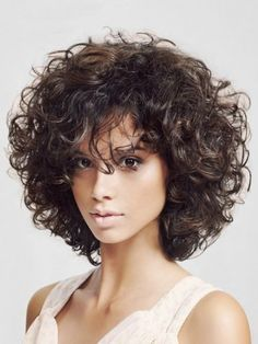 25 Short Curly Hairstyles for Women: Best Curly Haircuts - Neueste Frisuren Haar 2018 - Best Curly Haircuts, Short Curly Hairstyles For Women, Curly Hair Styles, Curly Hair Cuts, Curly Bob Hairstyles, Medium Hair Styles, Hairstyles 2018, Curly Wigs, Medium Haircuts