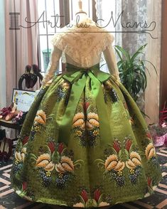 Ball Gowns, Style Me, Formal Dresses, Hair Styles, Fabric, Skirts, Beautiful, Valencia Spain, Art