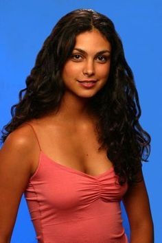 Morena Baccarin Poster Pink Top 24inx36in