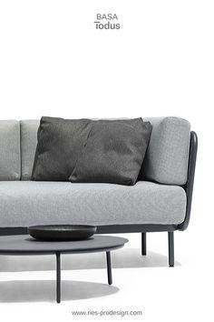 Modulare Gartenmöbel Garnitur für kreative Chiller.   Stelle Deine individuelle Lounge Möbel Garnitur in Deinen Lieblingsfarben zusammen.   Wir helfen Dir dabei. Erstinformation und Beratung unter  43 699 15990977.  Gartenmöbel Edelstahl produziert in Europa aus europäischen Komponenten.  Wir liefern direkt zu Dir nachhause.  #gartenmoebel, #polstermoebelgarten, #riesprodesign Outdoor Sofa, Outdoor Furniture, Outdoor Decor, Lounge Design, Home Decor, Europe, Garden Furniture Design, Patio Tables, Decoration Home