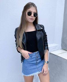 Leather jacket and denim skirt Komplette Outfits, Girly Outfits, Skirt Outfits, Stylish Outfits, Spring Outfits, Cool Outfits, Fashion Outfits, Womens Fashion, Moda Fashion