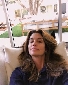 Planes para hoy? No salir de cama y no ponernos una gota de maquillaje.  #justchill : @cindycrawford . . . #happy #nomakeup #selfie #like #regram #model #happy #beauty #beautiful #love #thursday #strong via MARIE CLAIRE MEXICO MAGAZINE OFFICIAL INSTAGRAM - Celebrity  Fashion  Haute Couture  Advertising  Culture  Beauty  Editorial Photography  Magazine Covers  Supermodels  Runway Models
