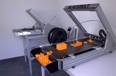 Die Idee eines 3D-Druckers mit einer unbegrenzten Achsen hatten schon einige Unternehmen. Blackbelt ist mit dem Blackbelt 3D-Drucker nun scheinbar ein FDM-3D-Drucker gelungen, der mit einem Förderband ausgestattet ist und so das Drucken besonders langer Objekte ermöglicht.