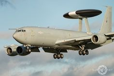 Boeing E-3D Sentry, ZH102 Heading in to RAF Coningsby