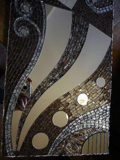 Detail by Mosaikstall Mosaic Tile Art, Mirror Mosaic, Mosaic Diy, Mosaic Garden, Mosaic Crafts, Mosaic Projects, Mirror Art, Mosaic Glass, Glass Art