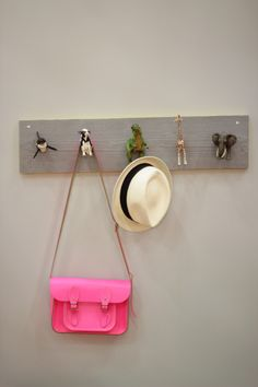 Groovy wardrobe w. Schleich animals. Be amazing with all horses for hanging in bedroom or barn.