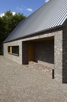 Modern Barn House, Modern House Design, Brick Facade, Facade House, Brick Architecture, Architecture Details, Building Design, Building A House, Roof Cladding
