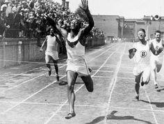 Jesse Owens at the 1936 Berlin Olympics Olympics Facts, 1936 Olympics, Berlin Olympics, Summer Olympics, Flower Power, Jesse Owens, Long Jump, Iconic Photos, Sports Stars