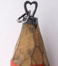 Pencil Lead Carving...ridiculous!
