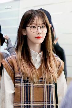 Yuri, Kitsune Mask, Sakura Miyawaki, Survival, Japanese Girl Group, Famous Girls, Cute Korean, Airport Style
