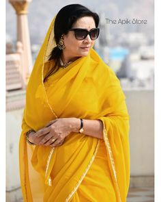 How To Style Simple Sarees To Look Super Stylish!