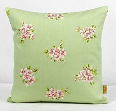 This is for one 16 inch x 16 inch Tilly sage green double sided cushion cover. This cushion cover comes in a Tilly Sage Green fabric both sides of the cushion cover. With an invisible zip which is at the bottom of the cushion cover, This give a stylish. Cushion Pads, Cushion Covers, Throw Pillow Covers, Pillow Shams, Bee Design, Design Shop, Design Ideas, Clarke And Clarke Fabric, Etsy Handmade