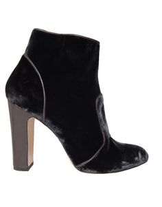back Shoes For Less, Designer Shoes, Footwear, Booty, Dark, Fashion, Moda, Swag, Shoe