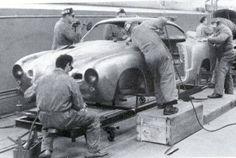 Terminación a mano de VW typ 143 Karmann Ghia. Osnabruck Decada de 1960