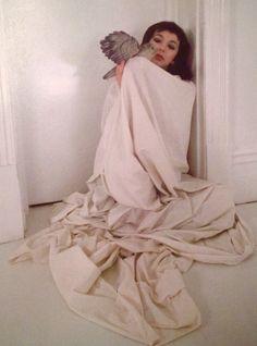 "cyranohs: "" Kate Bush: 1980 (John Carter Bush: Inside the rainbow) "" Fairy Music, Zombie Prom Queen Costume, Face Photo, Vintage Music, H Style, Tori Amos, Artists, Rainbow, Photographs"