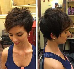 """How to style the Pixie cut? Despite what we think of short cuts , it is possible to play with his hair and to style his Pixie cut as he pleases. For a hairstyle with a """"so chic"""" and pointed… Continue Reading → Cute Pixie Cuts, Pixie Cut Styles, Long Pixie Cuts, Short Pixie Haircuts, Cute Hairstyles For Short Hair, Short Hair Cuts, Curly Hair Styles, Easy Hairstyles, Hairstyle Ideas"""