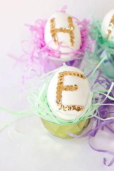 Sequin Easter Eggs, for table settings? Jolly Holiday, Holiday Fun, Winter Holiday, Easter Egg Crafts, Easter Stuff, April Easter, Easter Gift Baskets, Coloring Easter Eggs, Easter Celebration